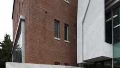 Kim Jong-Bok Museum of Art / Chun Architects