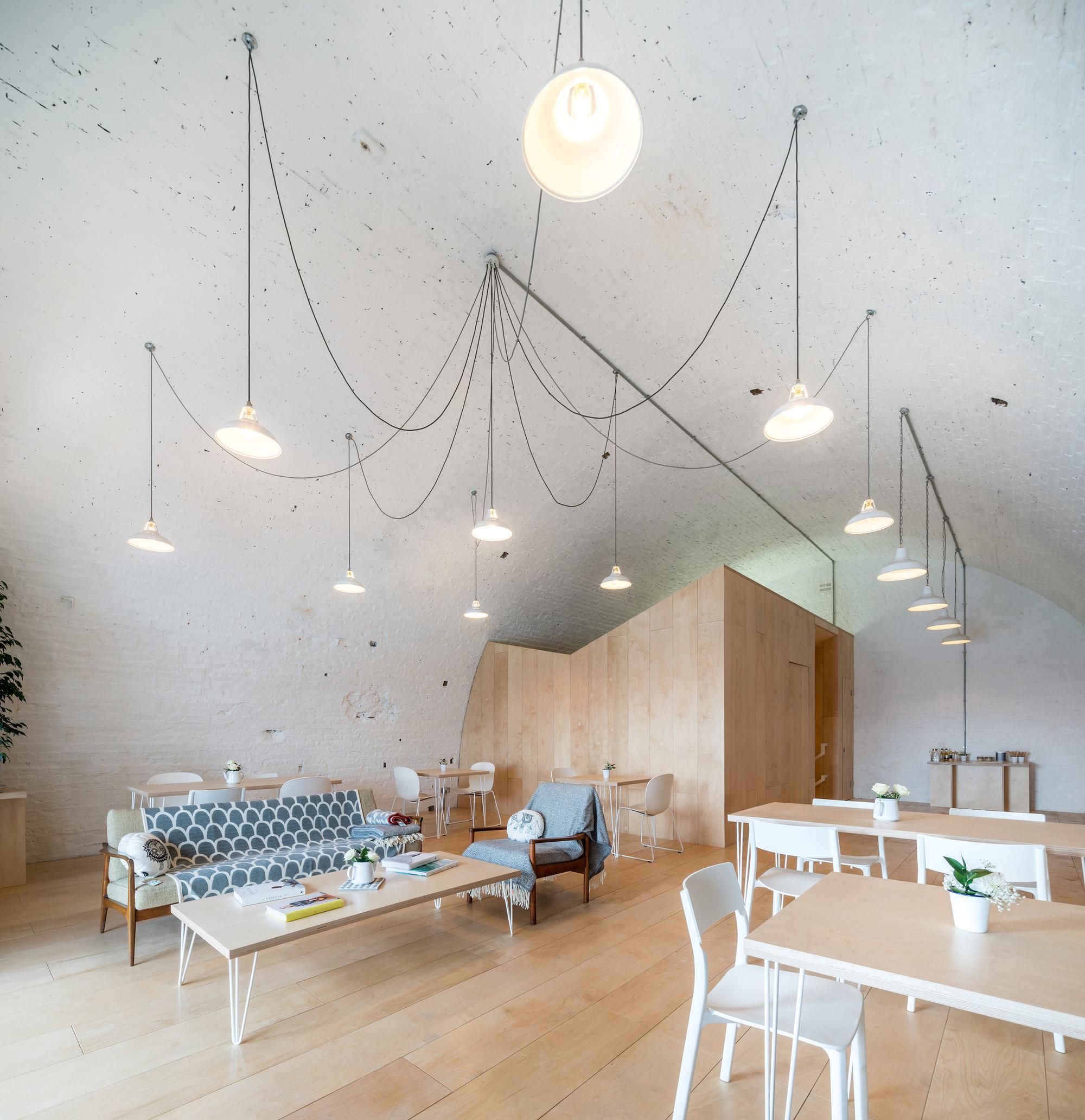 Galeria de loja archive haptic architects 1 for Swedish design shop
