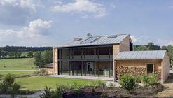 Casa W / Wolfertstetter Architektur