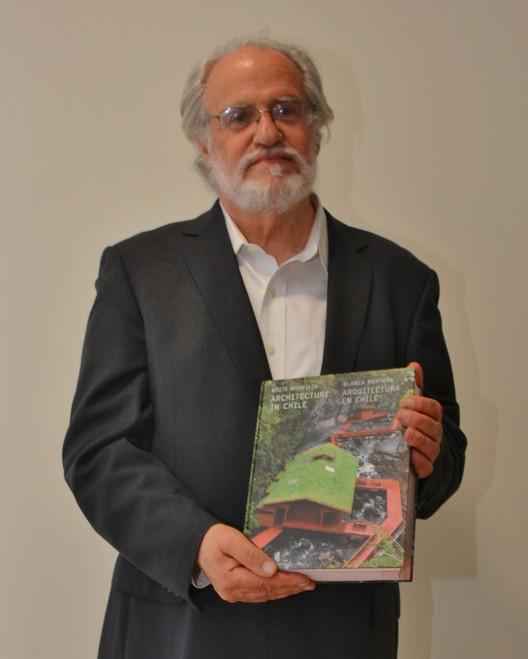 Arq. Teodoro Fernández. Image Cortesía de Ediciones Puro Chile