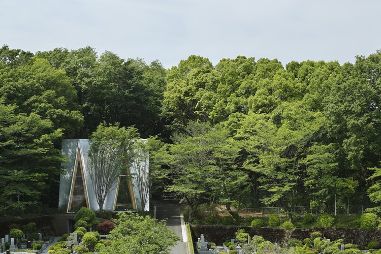 Sayama Forest Chapel / Hiroshi Nakamura & NAP Architects. Image © Koji Fujii / Nacasa & Partners