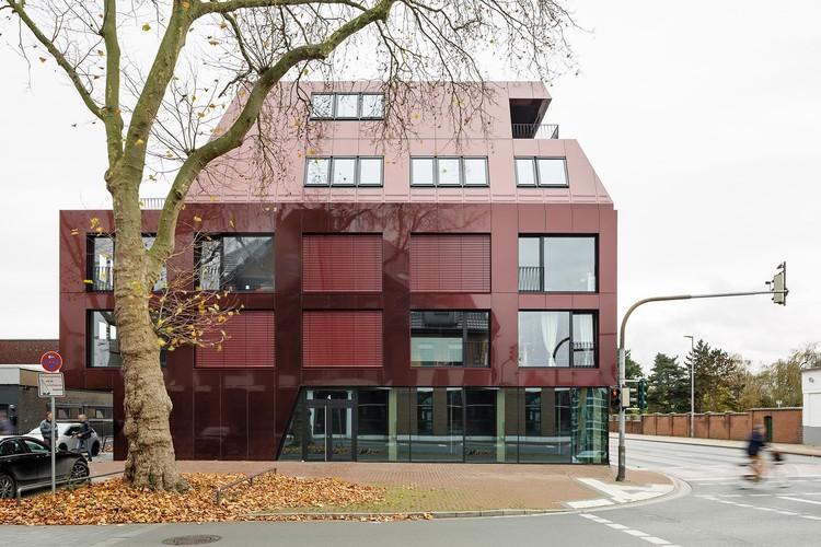 Student Residence in Kamp-Lintfort / bob-architecktur BDA, © Frank Schoepgens