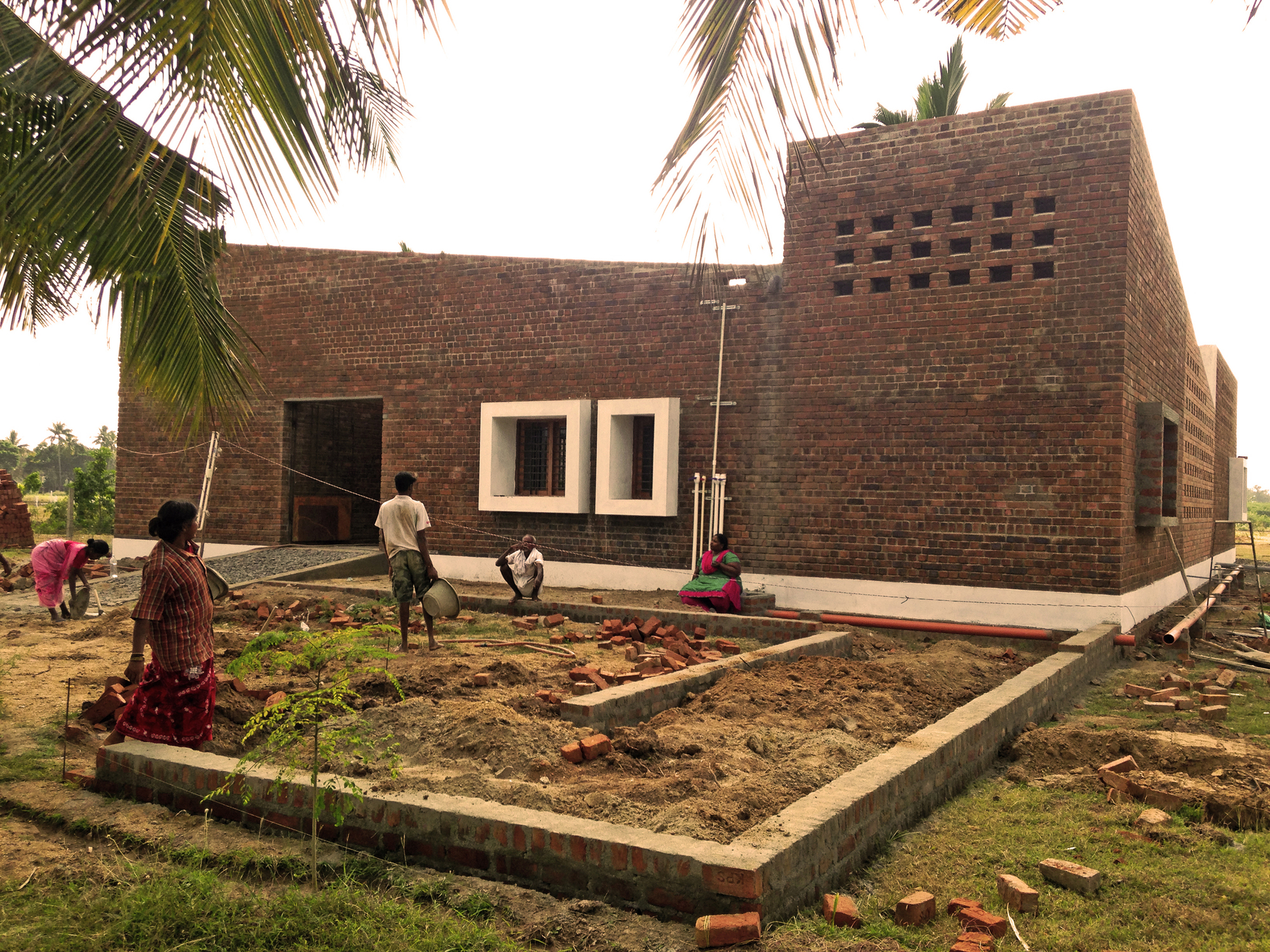 Gallery of vellore house made in earth 4 for Best village house designs