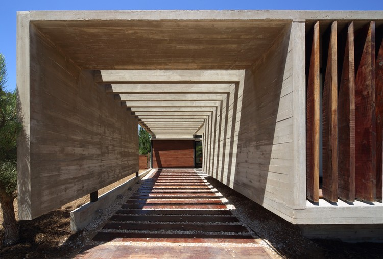 S&S House / Besonias Almeida Arquitectos, © Gustavo Sosa Pinilla