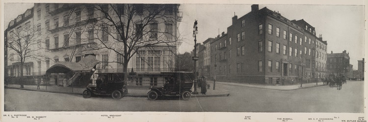 Fifth Avenue at 7th Street, 1911. Image via The New York Public Library