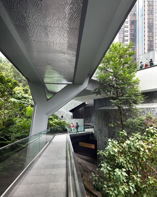 Asia Society Center / Tod Williams Billie Tsien Architects   Partners. Image © Michael Moran