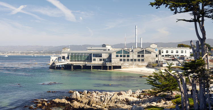 EHDD's Monterey Bay Aquarium Wins AIA 25 Year Award, Monterey Bay Aquarium / EHDD. Image Courtesy of Bruce Damonte