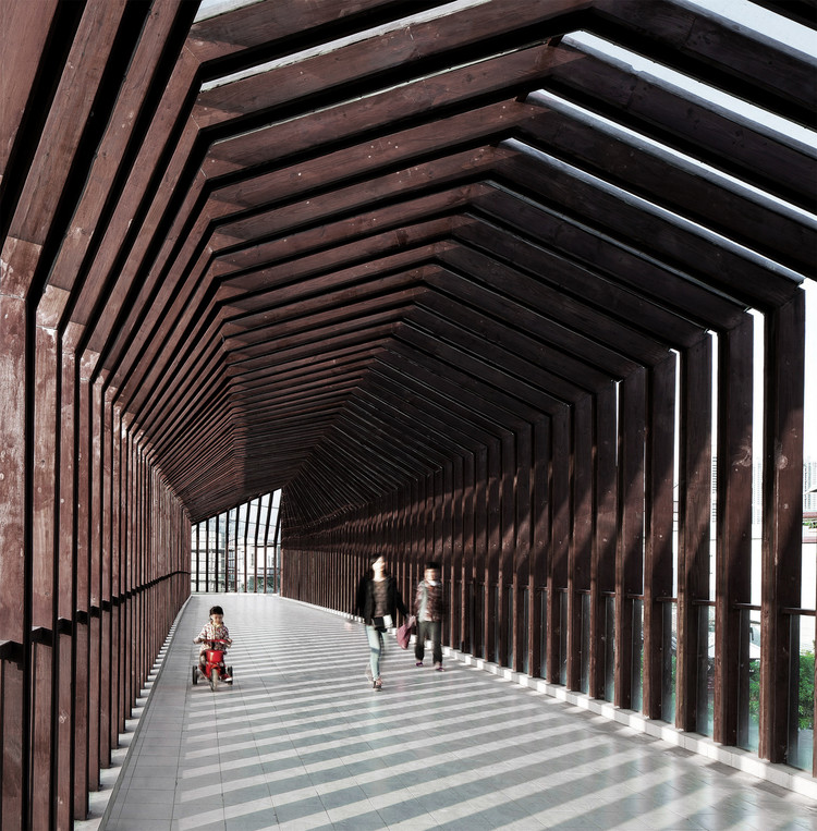 Foshan New City Village Walkway Bridge  / ADARC Associates, © Yuansheng Studio