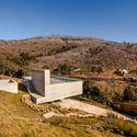 Refúgio na Montaria / Carvalho Araújo, Arquitectura e Design