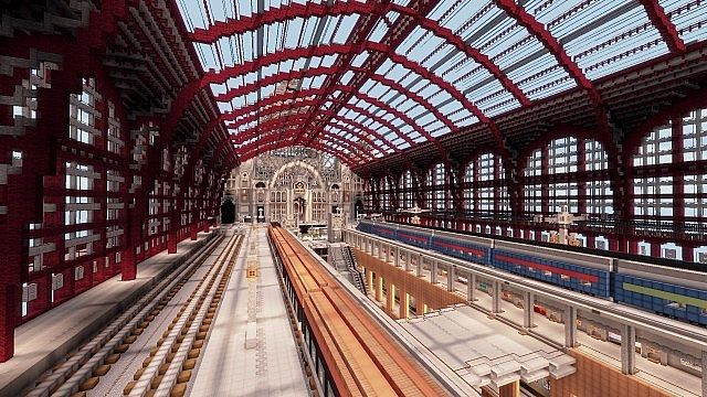 Antwerpen-Centraal railway station. Image via LanguageCraft