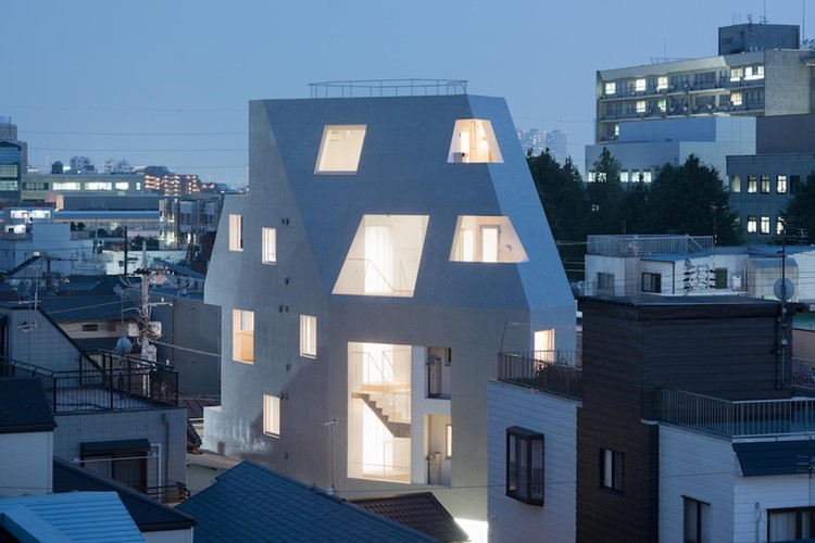 Kitasenzoku Apartment / Tomoyuki Kurokawa Architects, © Takumi Ota