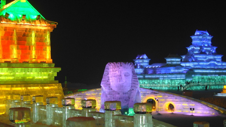 Harbin Ice and Snow World 2013. Image © Wikimedia user Dayou_X licensed under CC BY-SA 2.0