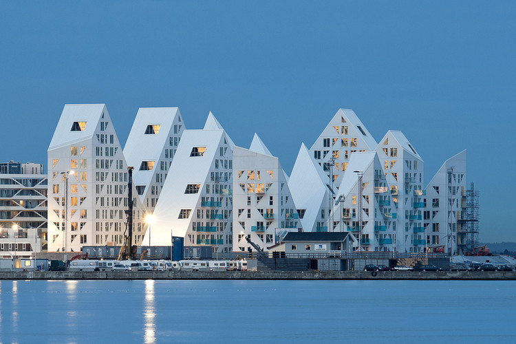 The Iceberg by CEBRA + JDS + SeARCH + Louis Paillard Architects, winner of the 2015 Housing award. Image © Mikkel Frost