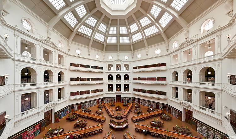 4 oficinas finalistas para rediseñar la biblioteca pública más antigua de Australia, Sala de lectura de la Biblioteca Estatal de Victoria Imagen © Flickr CC Usuario: Albert Llausas