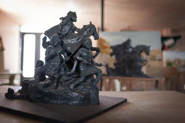 Réplica de una estatua de Ayyubid Sultan Saladin. Imagen cortesía de UNHCR Tracks