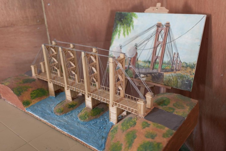 A replication of the Deir ez-Zor suspension bridge. Image Courtesy of UNHCR Tracks