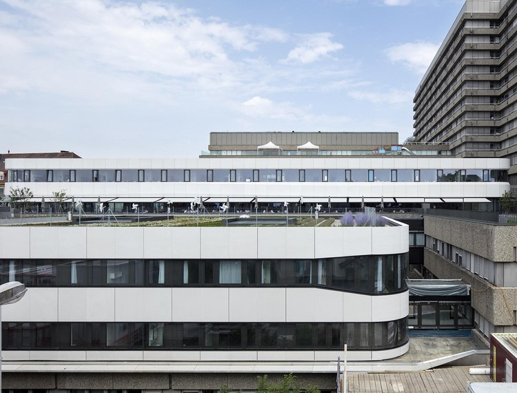 Lausanne University Hospital Restaurant Extension / meier + associés architectes, © Yves André