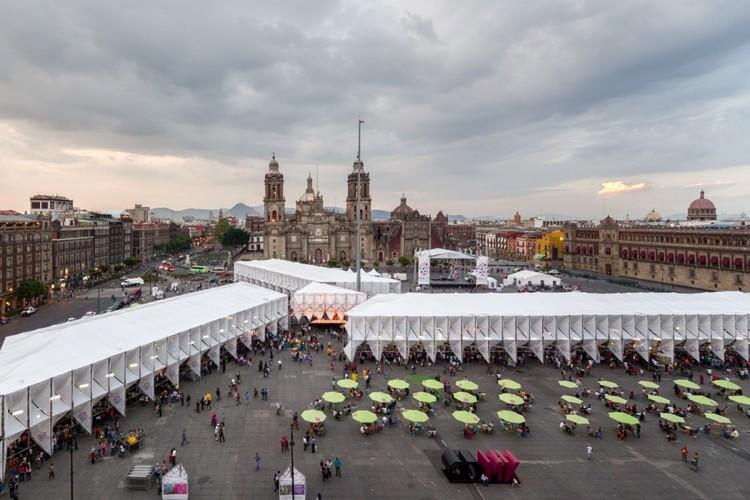 Pabellón de la Feria de las Culturas Amigas 2015 a cargo del Estudio MMX . Image© Rafael Gamo