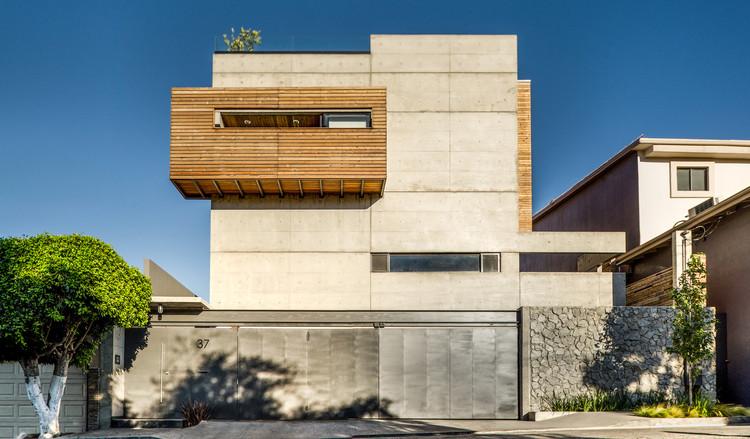 Casa z guillot arquitectos archdaily m xico - Arquitectos aviles ...