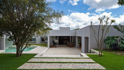 Casa MC15 / Rodrigo Biavati
