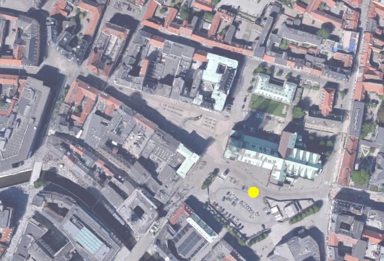 Bishops Square / Schønherr © Google