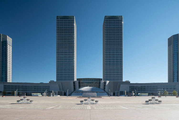 """With """"Ordos – A Failed Utopia,"""" Raphael Olivier Captures the Contradictions of Chinese Construction, © Raphael Olivier"""