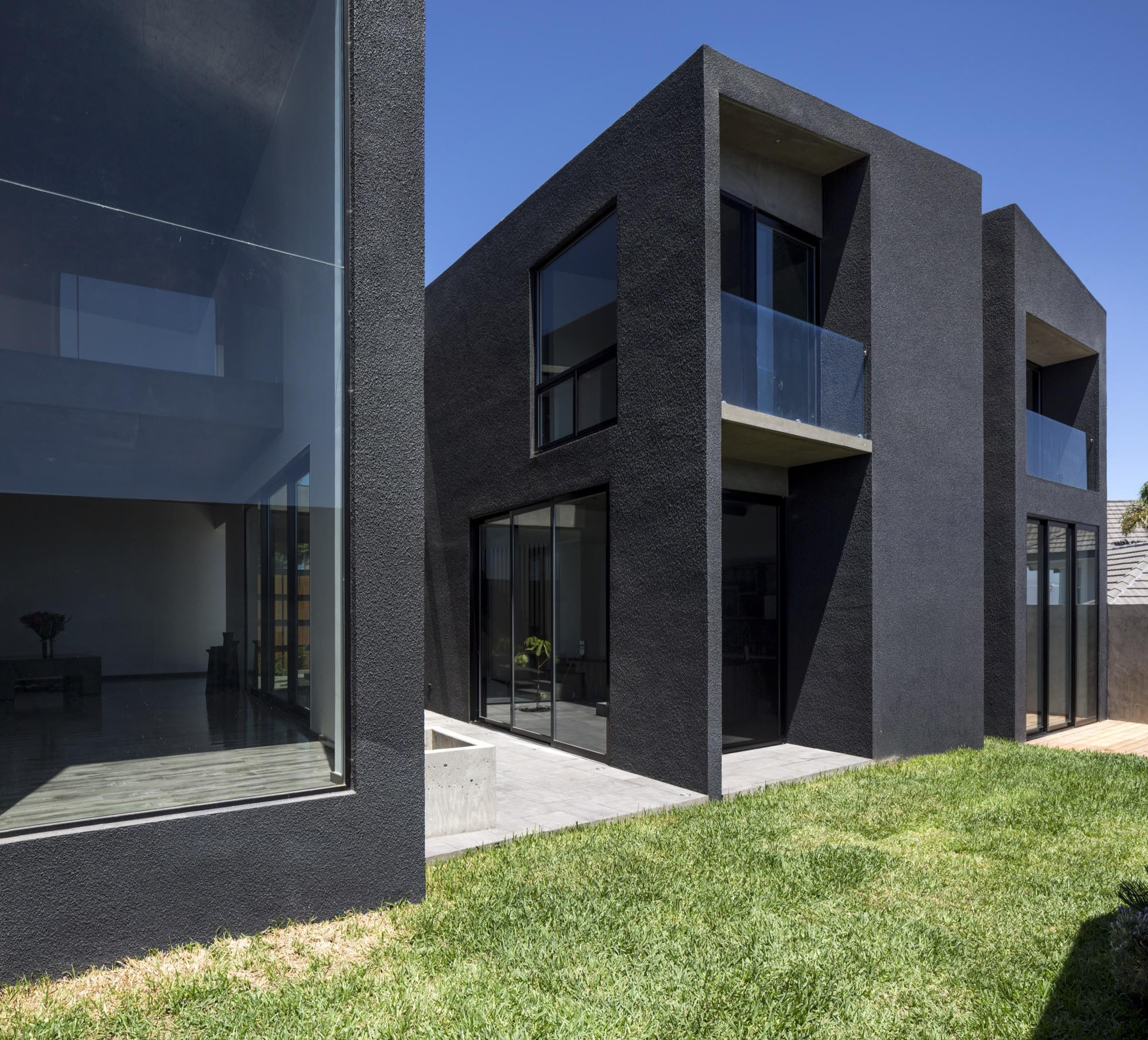 Gallery of TLP House / T38 studio - 4
