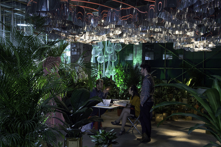 Embodied Pelts, el montaje de Langarita Navarro Arquitectos en la Bienal de Shenzhen, © Wang Gen