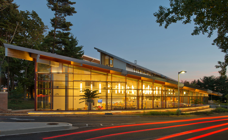 Olney Branch, Montgomery County Public Libraries; Olney, MD / The Lukmire Partnership, Inc. . Image © Eric Taylor Photography