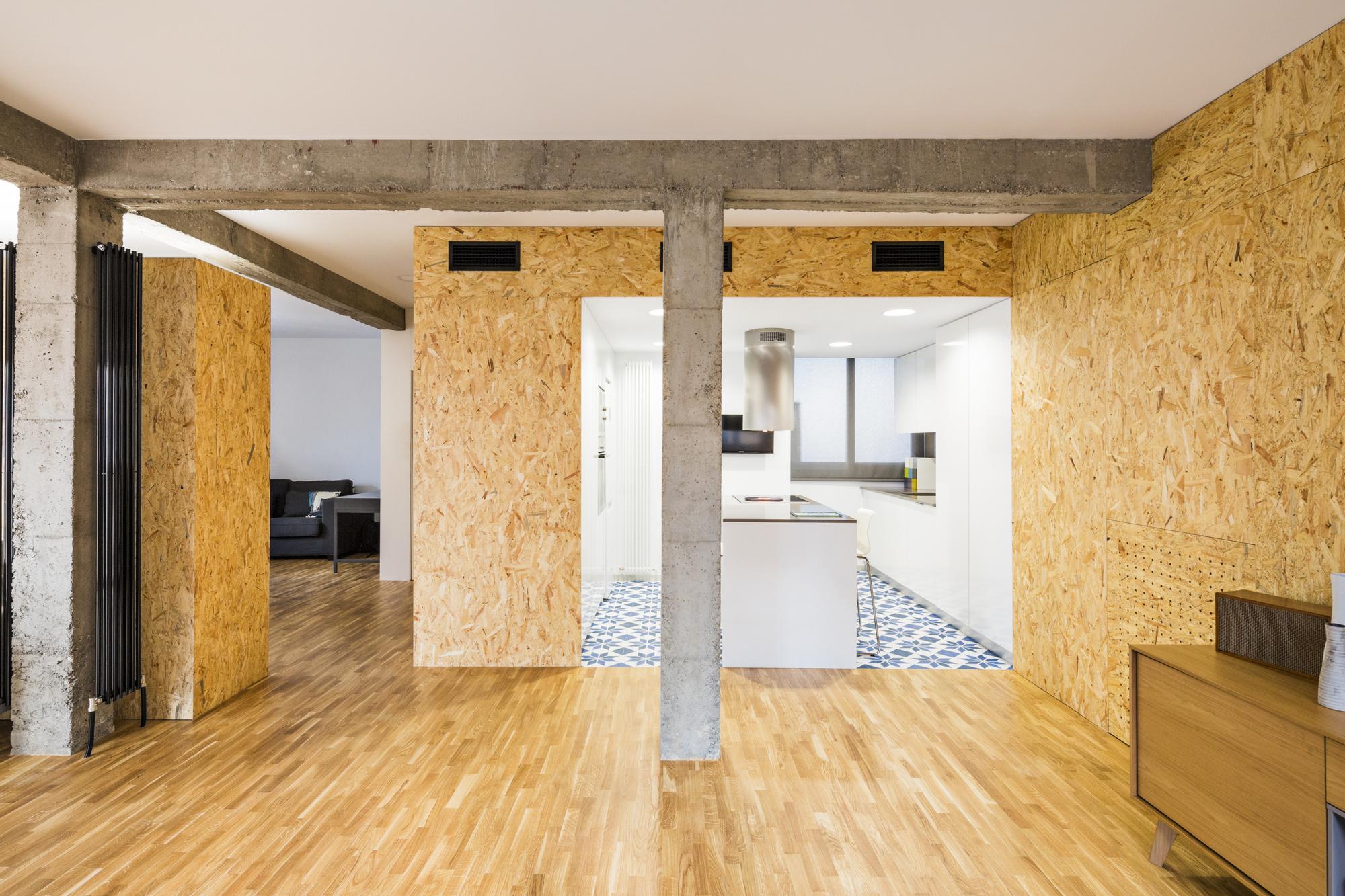 cadam apartment renovation for a musician dtr studio arquitectos archdaily. Black Bedroom Furniture Sets. Home Design Ideas