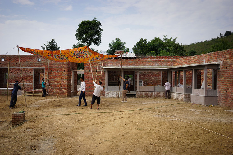 Studio Mumbai Founder Bijoy Jain to Design Melbourne's Next MPavilion, Ganga Maki Textile Studio / Studio Mumbai. Image Courtesy of Naomi Milgrom Foundation