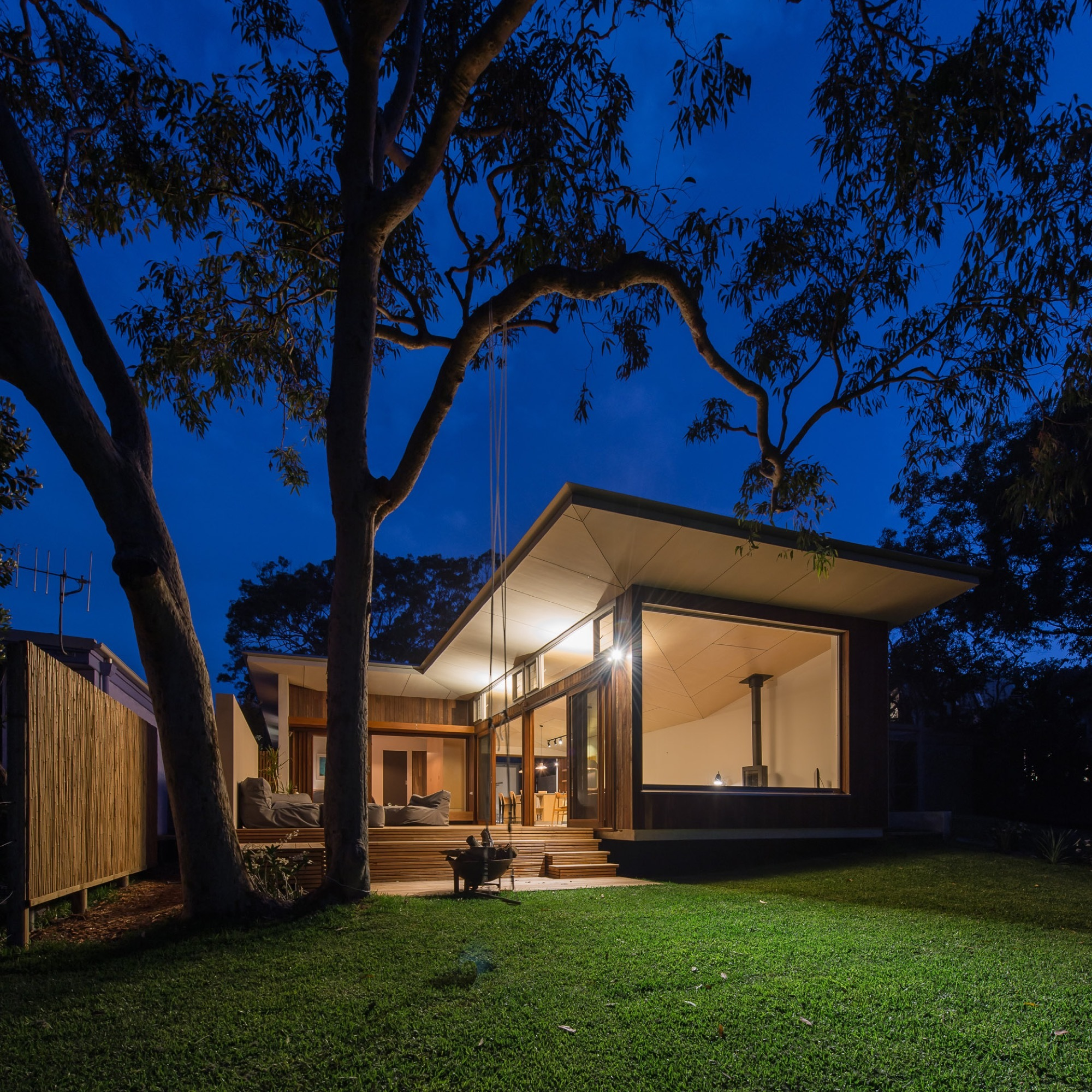 Blueys Beach House 4 / Bourne Blue Architecture