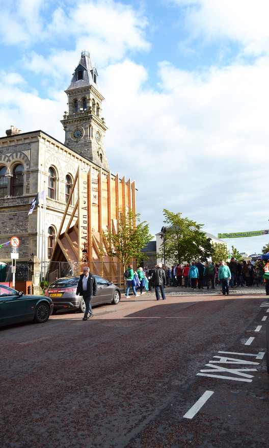 NósWorkshop Designs Temporary Stage for Fleadh Cheoil Irish Music Festival, Courtesy of NósWorkshop
