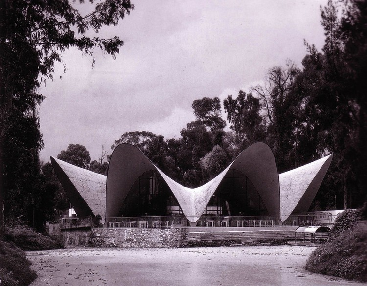 Obras de Testa, Candela, Bo Bardi y Pezo Von Ellrichshausen entre los 10 mejores edificios de concreto, según The Guardian, vía www.rkett.com