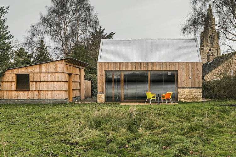 Garden Buildings Warmington / Ashworth Parkes Architects, © Justin Paget Photography