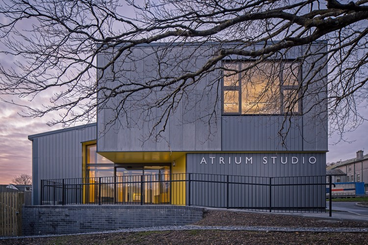 Atrium Studio / Satellite Architects, © Alex Campbell
