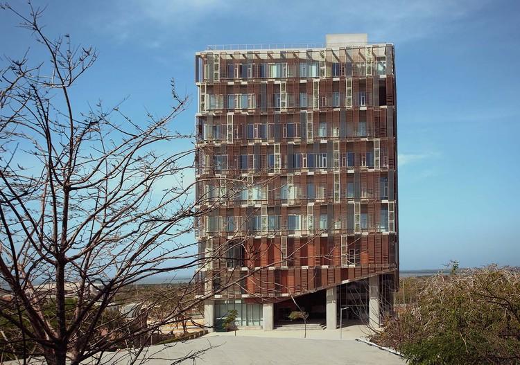 Edificio Multipropósito / OPUS, © Juliana Gómez