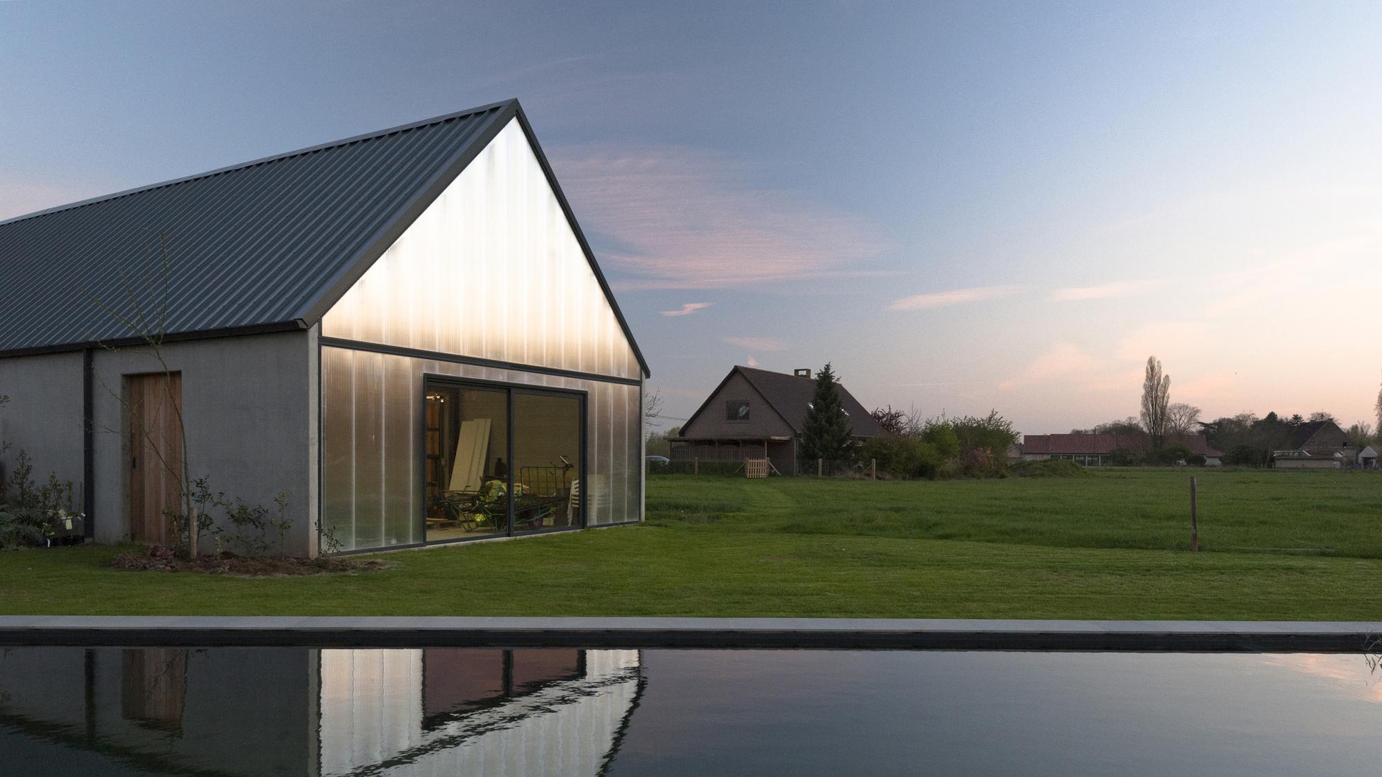 Gallery of contemporary barn p l o e g architecten 1 for Contemporary barn design