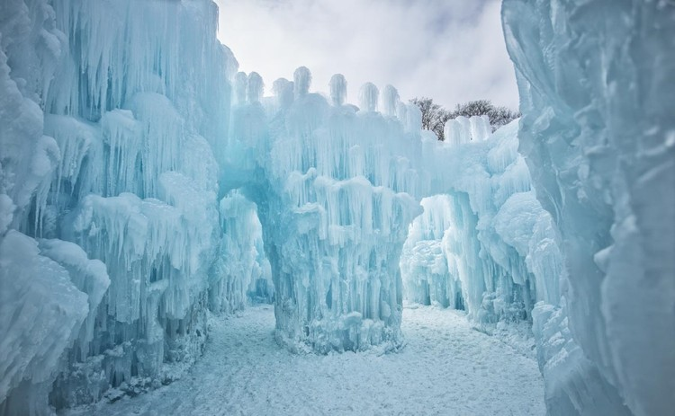 © AJ Mellor Courtesy of Ice Castles