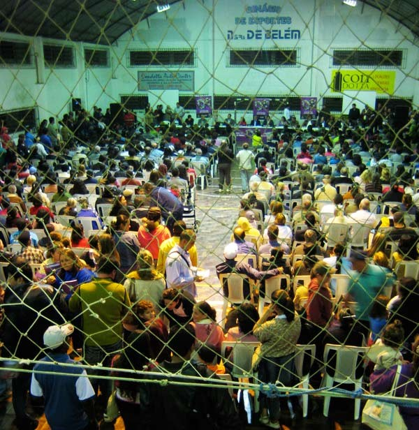 Residents of Porto Alegre, Brazil, gather for the annual Regional Participatory Budgeting assembly. Image Courtesy of Michael Fox