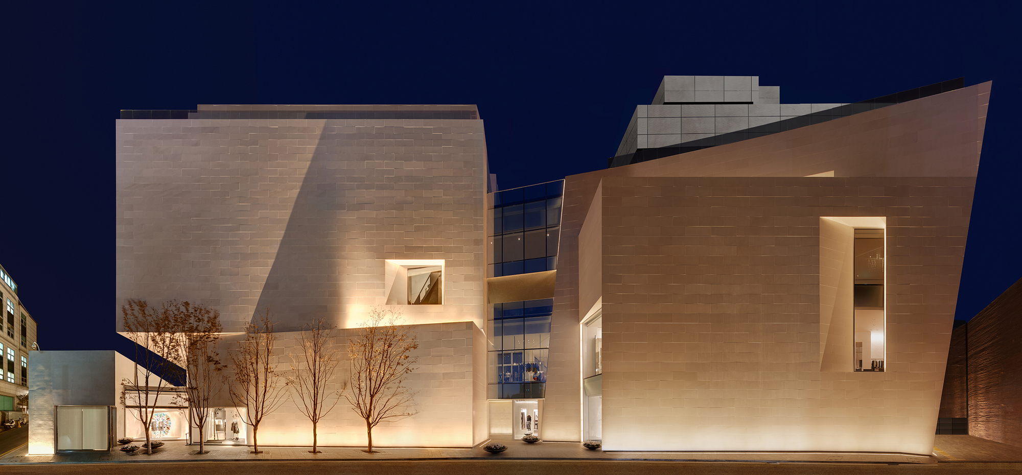 Boontheshop / Peter Marino Architect | ArchDaily