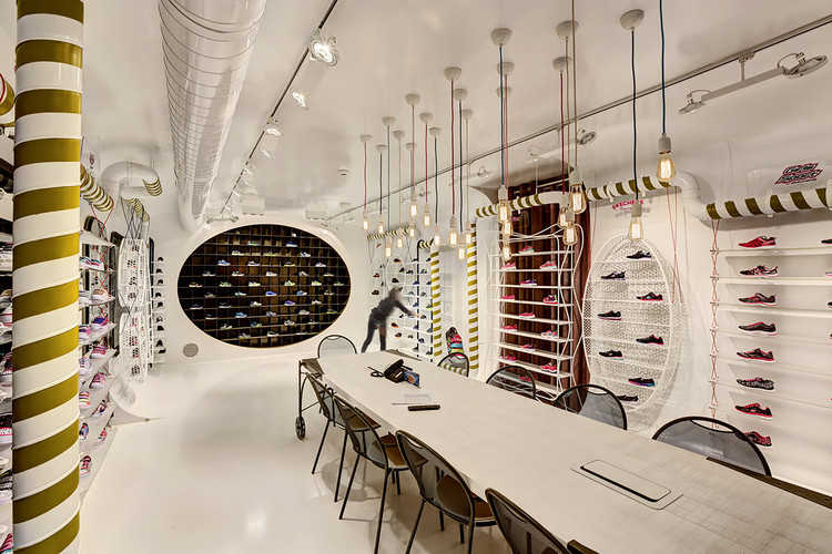 Skechers TR - Kids Showroom / Zemberek Design, © Safak Emrence