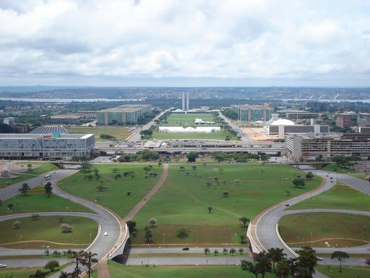 El eje central y monumental del plan de Costa. Imagen © Limongi