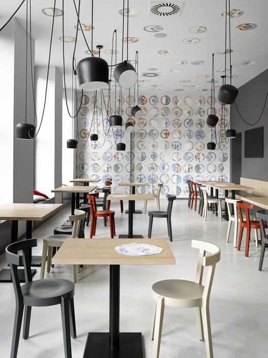 Cafe. Bistro. Bakery Zahorsky / JRA  Jarousek.Rochova.Architekti, © Filip Slapal