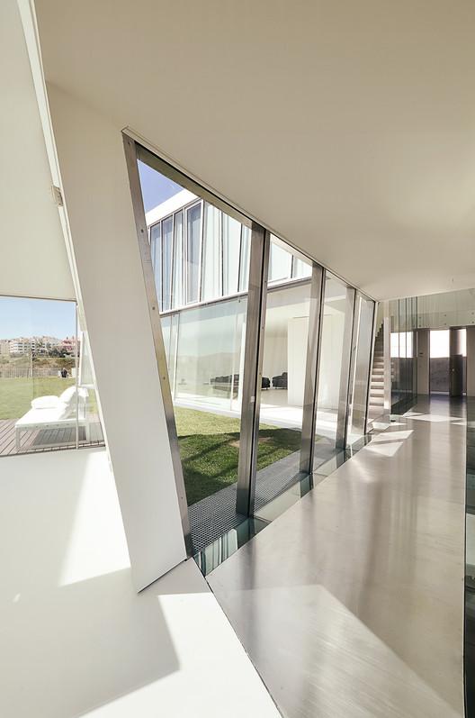 Alcoutins House / Guedes Cruz Arquitectos. Image © Ricardo Oliveira Alves
