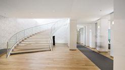 Oficina jurídica en el Congreso de Graz / LOVE