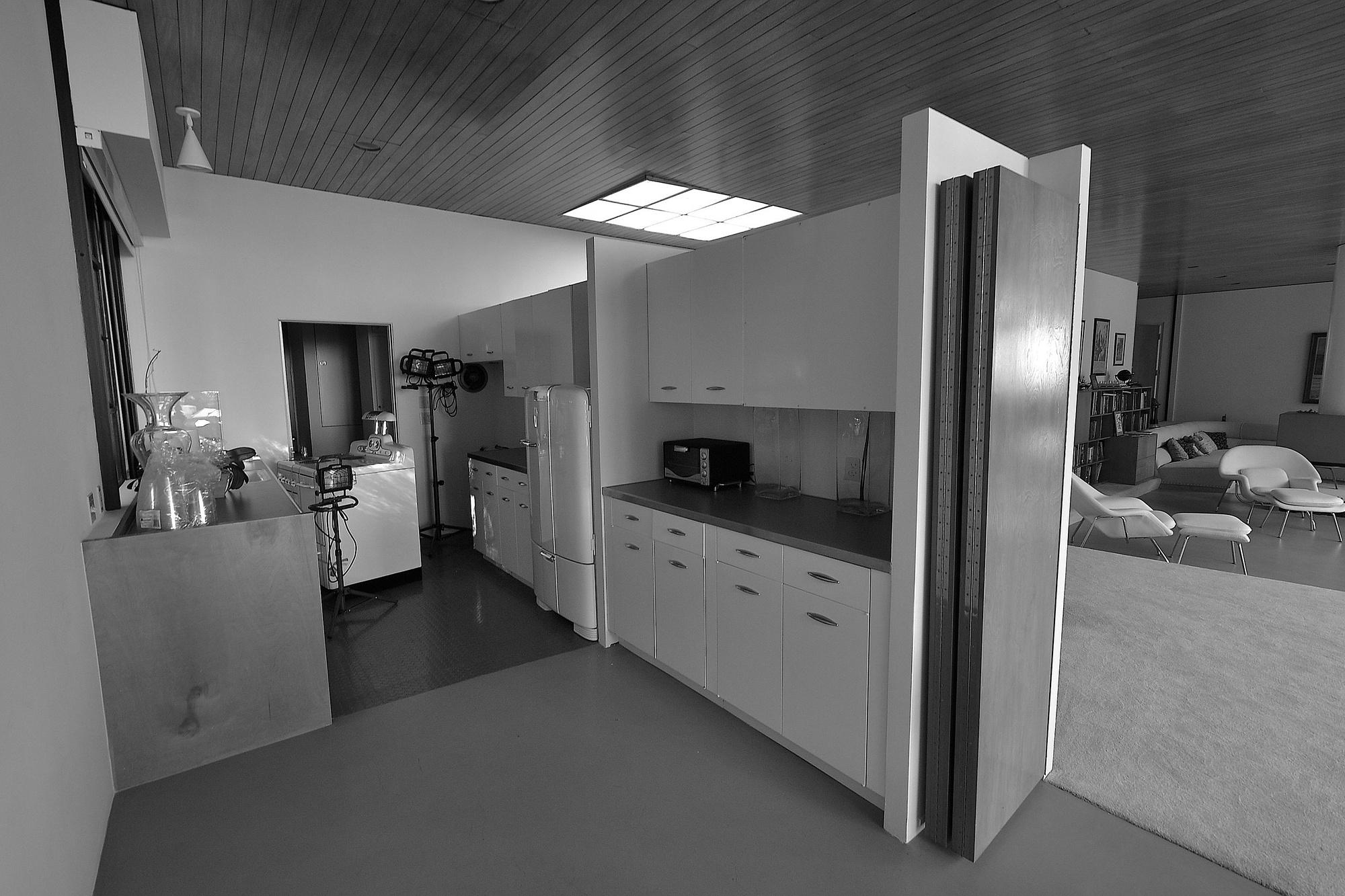 case study house      eames house living room Galinsky