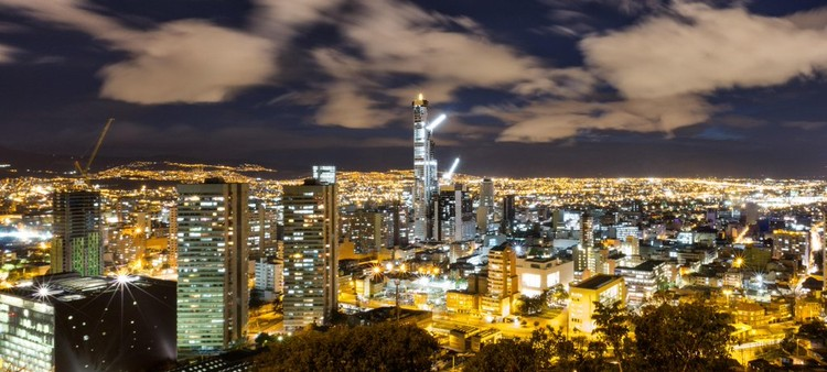 Finaliza construcción del BD Bacatá, el rascacielos más alto de Colombia, El rascacielos BD Bacatá en Bogotá. Image vía BD Bacata [Twitter]