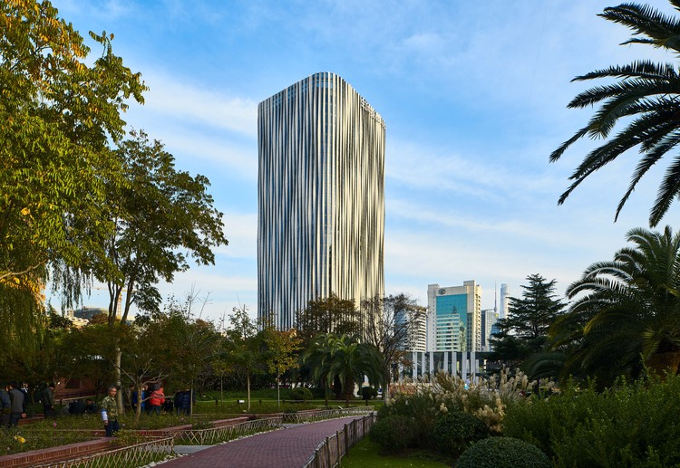 Best Tall Building China: Hainan Rd. Lot 10, Hongkou District, Nanjing / Kengo Kuma and Associates. Image via CTBUH