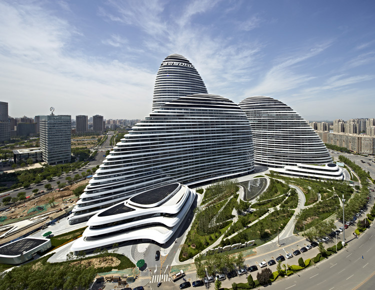 Winners of the Inaugural China Tall Building Awards, Best Tall Building China: Wangjing SOHO, Beijing / Zaha Hadid Architects. Image © CCDI